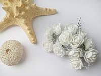 Розы латексные (с фатином) белые