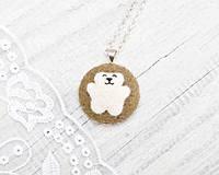 Кулончик ручной работы Медведь белый на светло-коричневом войлоке, фото 1