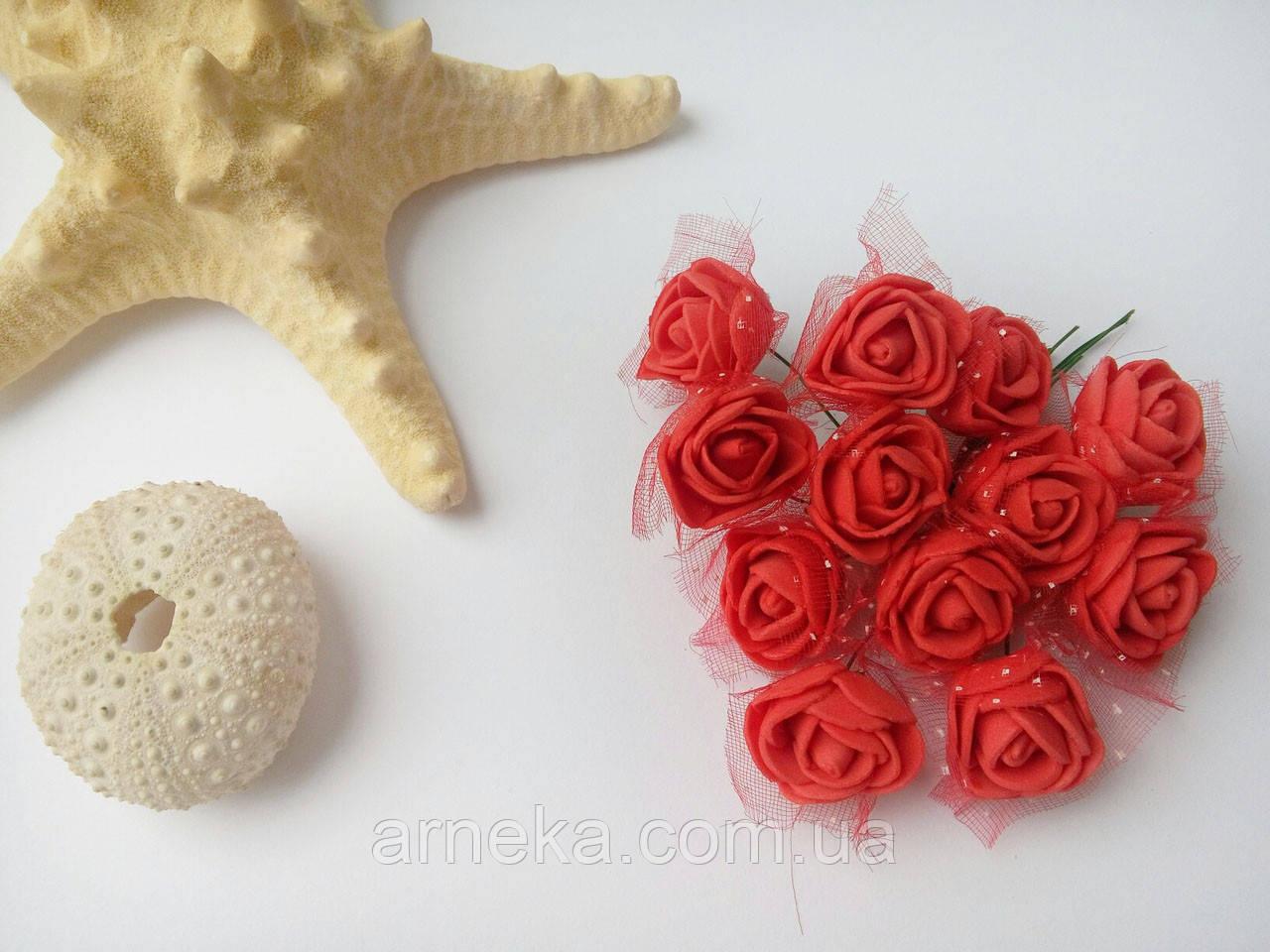 Розы латексные (с фатином) красные
