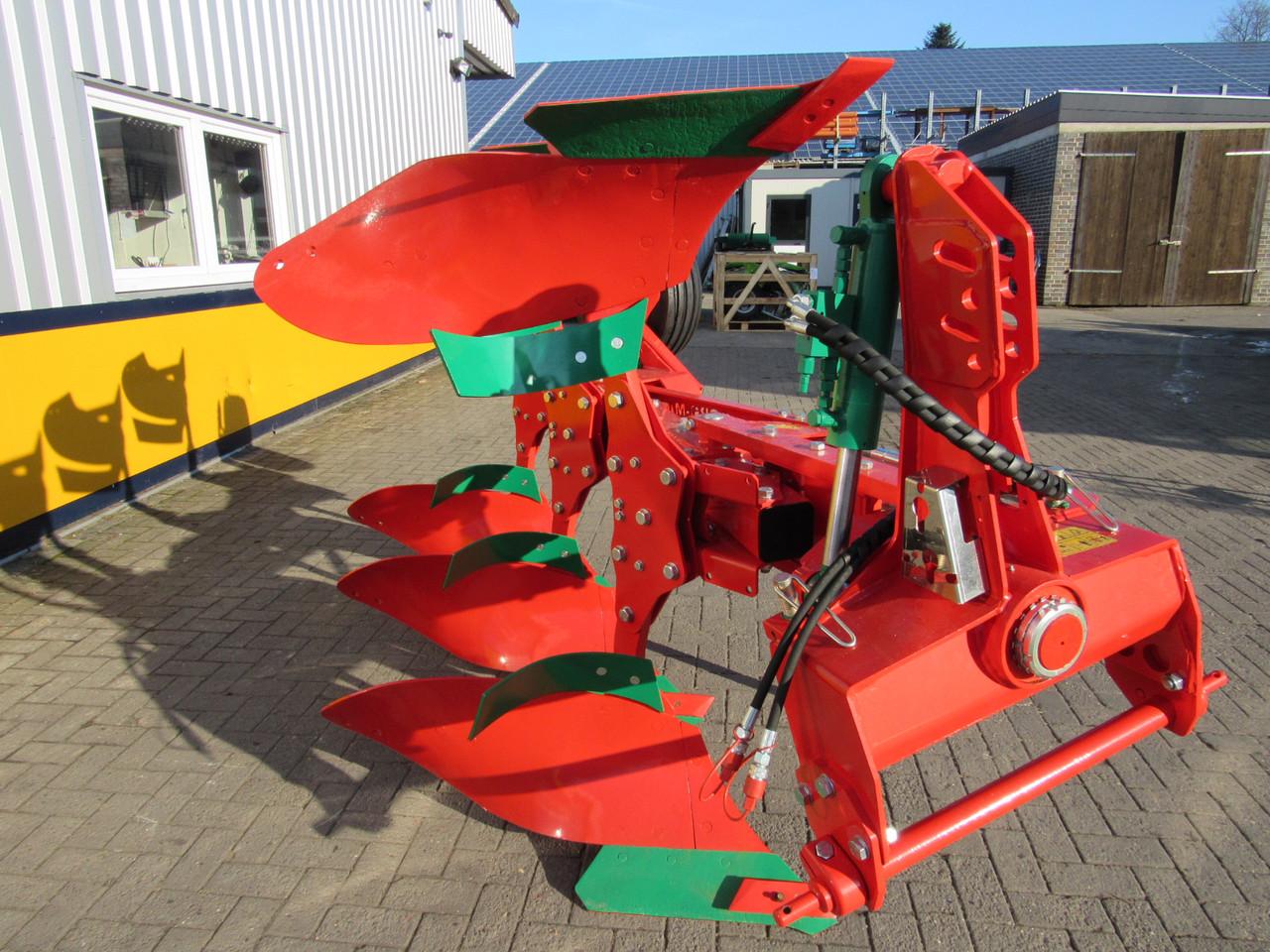 Плуг оборотний 3 корпуси AGRO-MASZ POL3 під МТЗ 82 рама 120*120