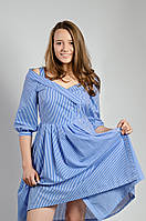 Платье с открытыми плечами в полоску