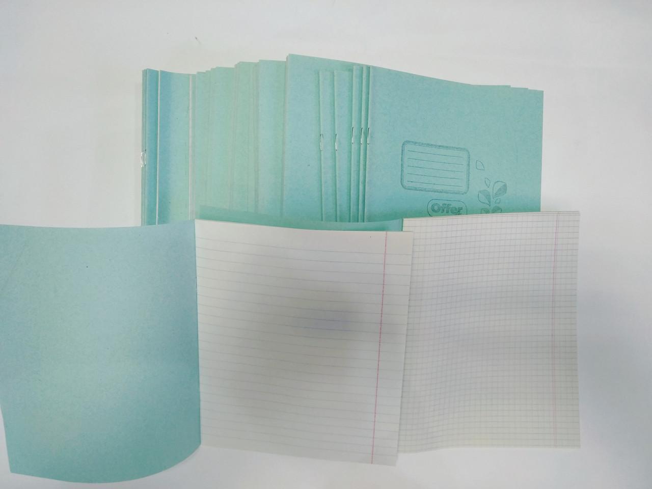 Зошит шкільна фонова 18 аркушів В5 формат білий аркуш клітина лінія коса в асортименті