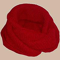 Вязаный шарф-снуд красного цвета объемной ручной вязки