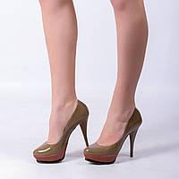 Туфли из лакированной кожи бежевый