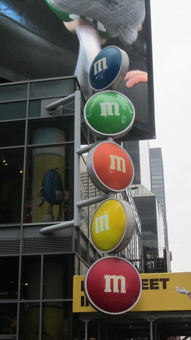 Раздел Туники летучая мышь - Нью-Йорк,реклама M&M's
