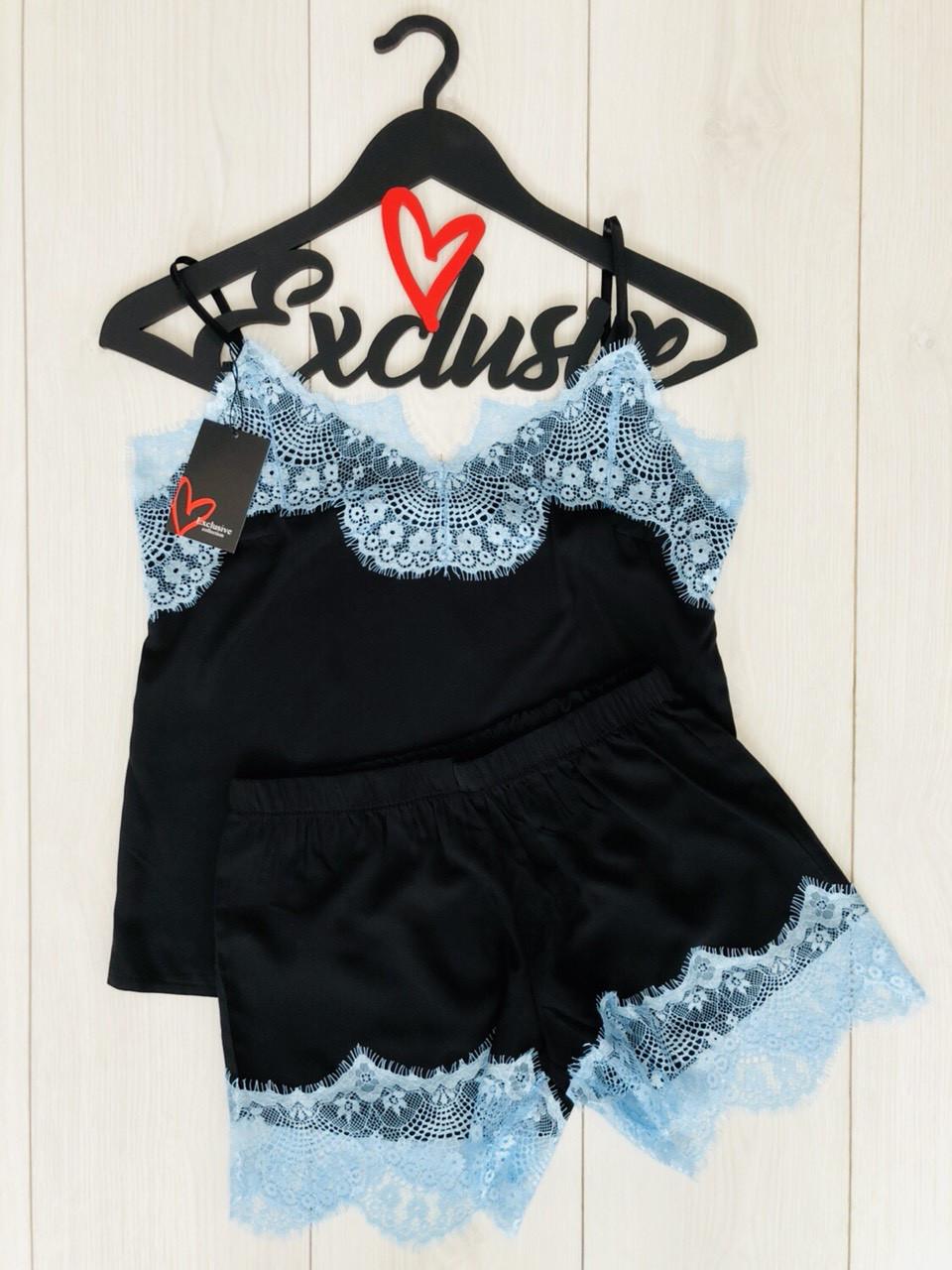 Молодежный комплект для дома и сна: черная майка и шорты с голубым кружевом