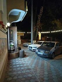 Освещение фасада гостиного комплекса АЖУР 2