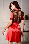 Яркий атласный халат с коротким рукавом и ажурной спинкой Красный