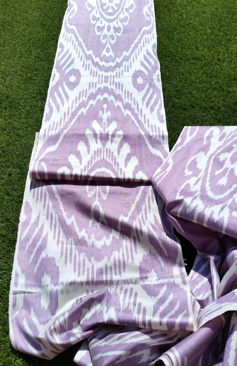 """Шелковая ткань в технике """"Икат"""" ручного ткачества. Маргилан, Узбекистан"""