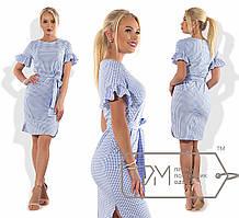Платье в клеточку с воланами на рукавах