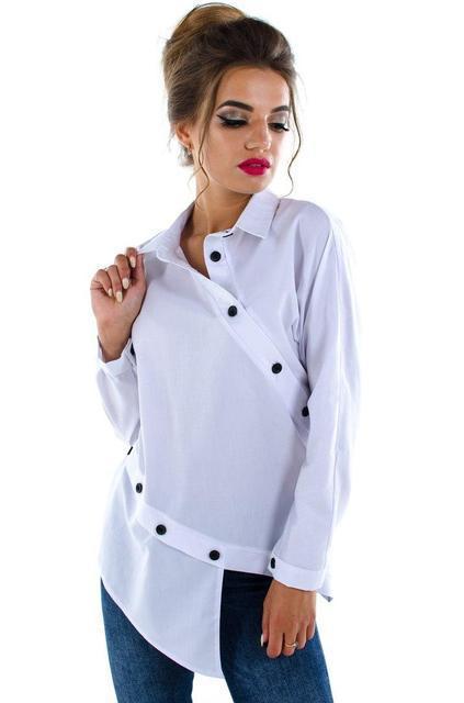 Оригинальная женская рубашка декорирована пуговицами (К18299)
