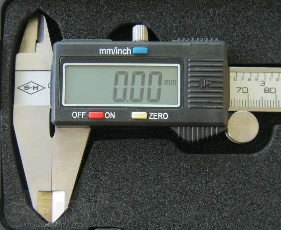 Электронный штангенциркуль микрометр 150 мм  LCD дисплей кейс