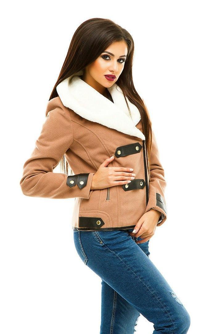 Короткое женское пальто с искусственным мехом (К19793)