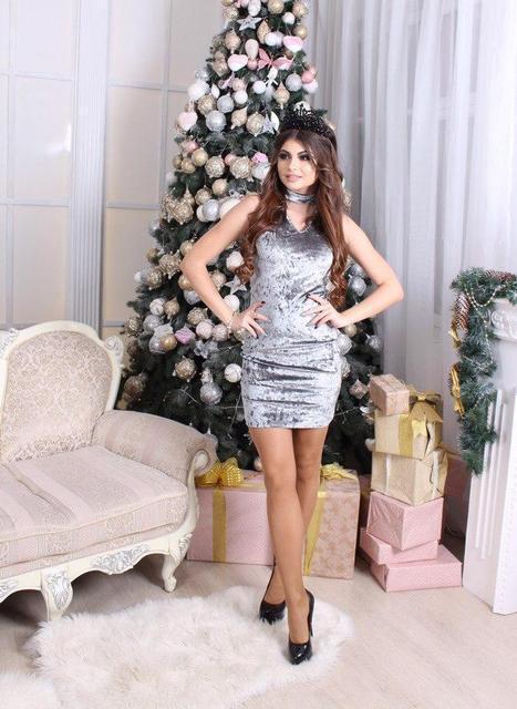 Бархатное мини-платье с чокером (К20922)
