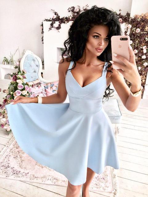 Платье женское короткое с глубоким декольте (К22724)