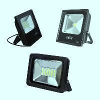 Прожекторы светодиодные с питанием от сети 220V