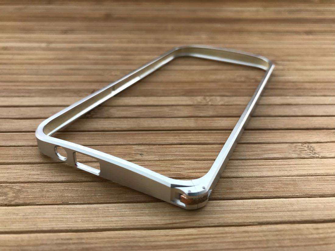 Бампер HTC One 2