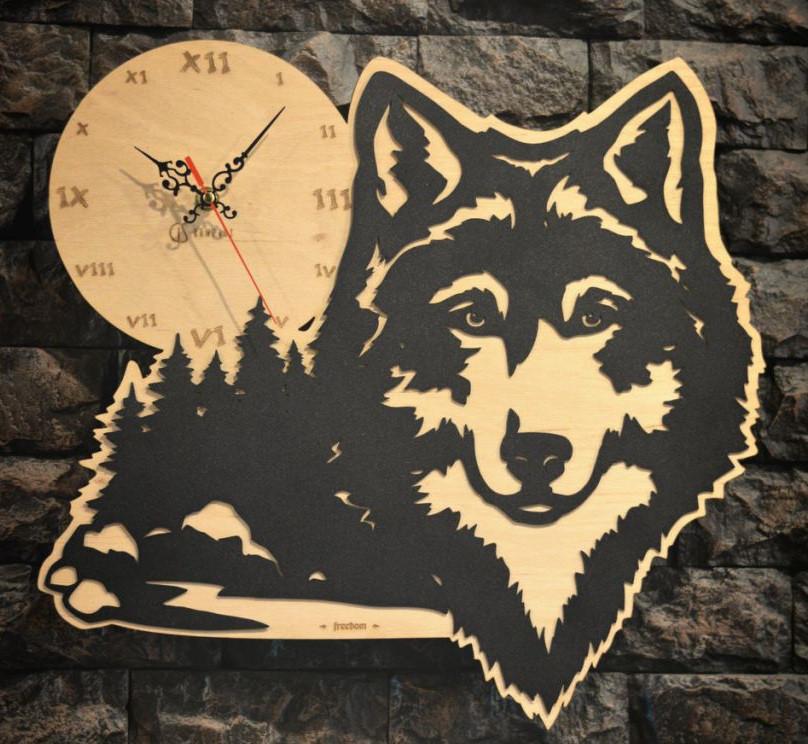 Часы настенные Волк Луна