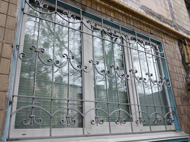 Решетки на окна кованые в Киеве -1