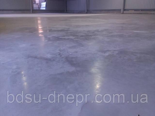 Гладкий бетонный пол