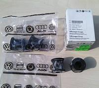 Втулка стабилизатора передняя Volkswagen Transporter T5 (с 2003 - ). D=21. VAG (Volkswagen)