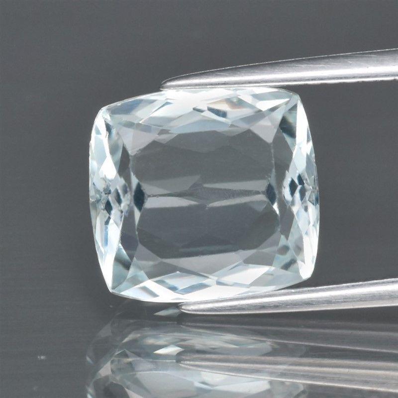 Аквамарин  природный 3.58ct   10.4x9.7mm