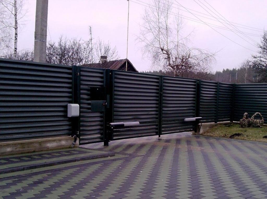 Розпашні ворота жалюзі з ламелей 3000х2000