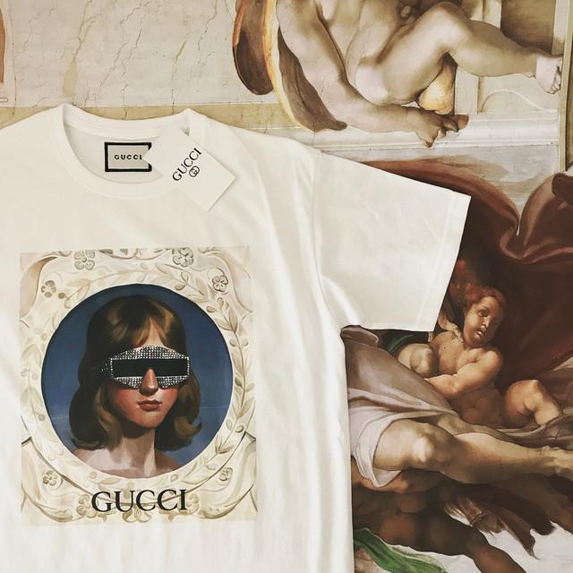 d780ee2f12e3 Футболка белая женская брендовая с принтом Девушка в очках от Gucci Гуччи