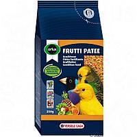 Orlux Frutti Patee влажный яичный корм с фруктами для птиц