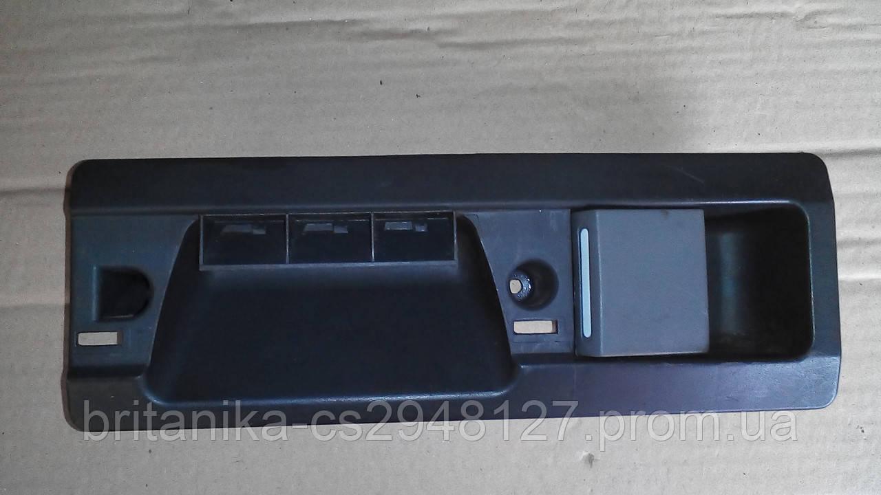 Ручка внутрішня на задню праву двері Мерседес Спринтер бо Sprinter