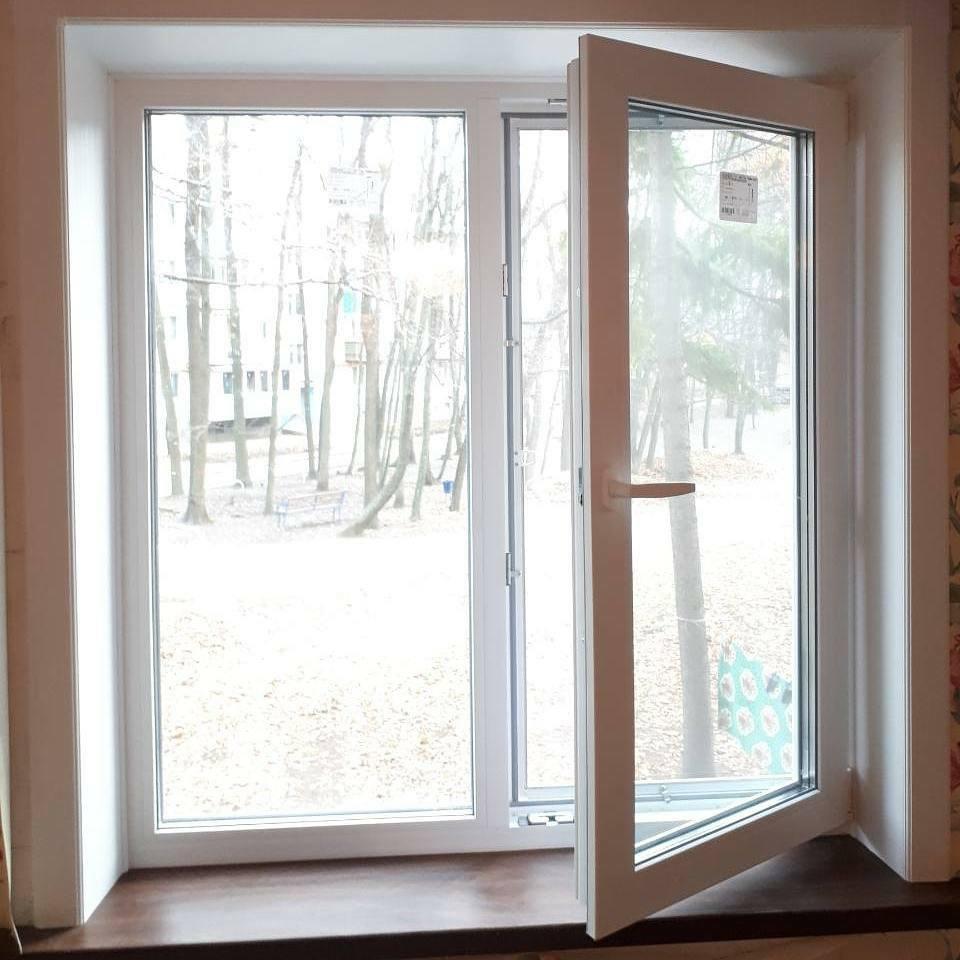 Окно пластиковое двустворчатое Rehau 70