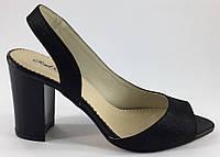 Босоножки женские на удобном каблуке из натуральной кожи чёрного цвета от производителя модель РБ - 29