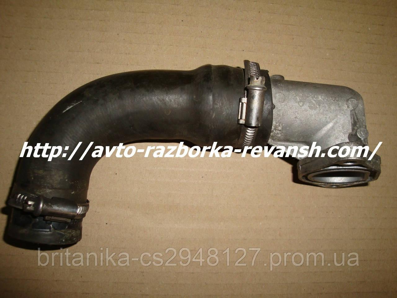 Патрубок системы охлаждения с термостатом Мерседес Вито 639 бу ОМ 642 3.0 Vito