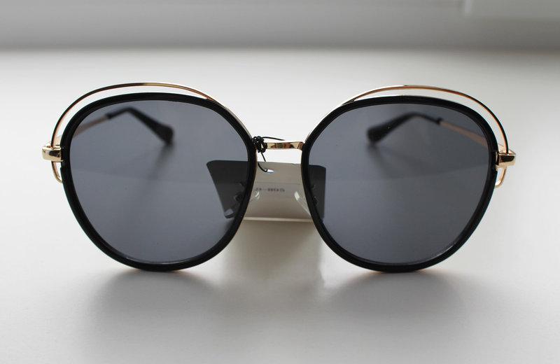 Фигурные солнцезащитные очки для женщин с темными линзами