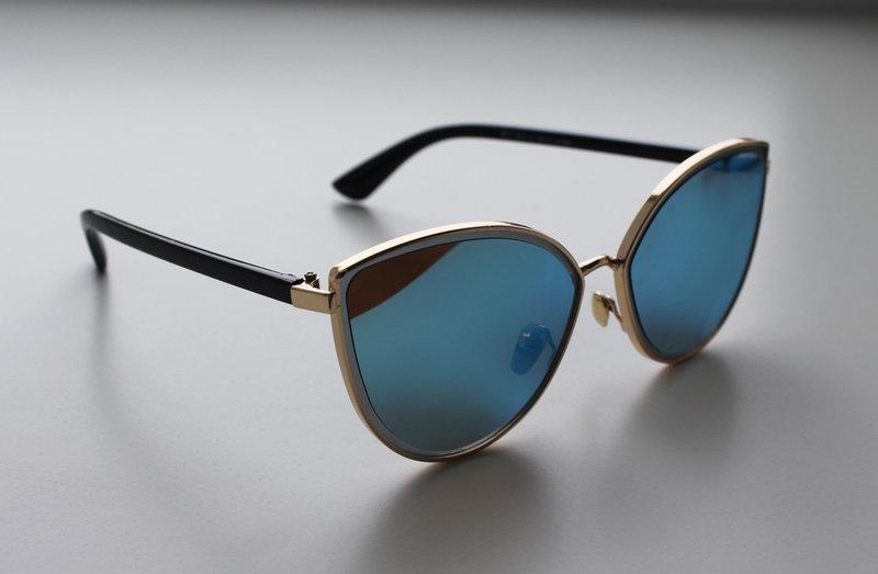 Солнцезащитные очки для женщин в форме бабочки
