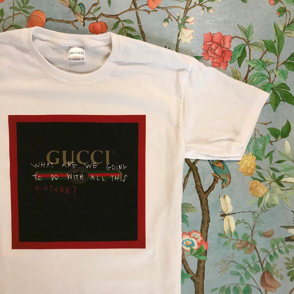 dc79f62ab1d5 Футболка белая женская брендовая с принтом Черный квадрат от Gucci Гуччи