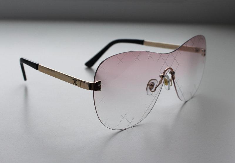 Модные солнцезащитные женские прямоугольные очки Шанель без оправы