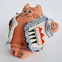 Рыжий кот в кожушке сидячий. Новогодний сувенир.