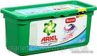 Капсулы для стирки Ariel 3в1 28 шт для белого и цветного белья