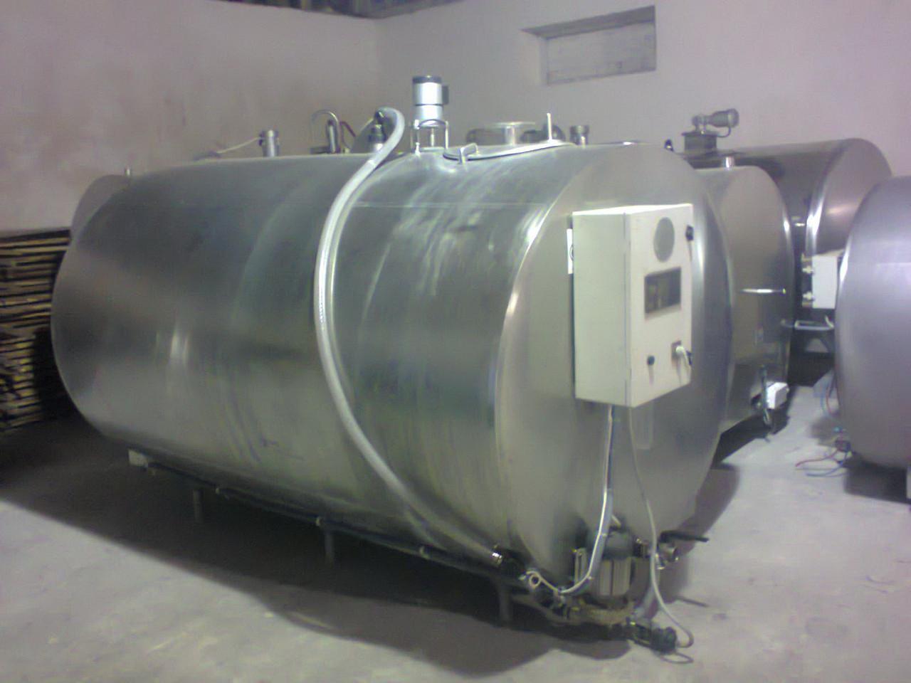 Охладитель молока закрытого типа, DERU COOL 4000 л, б/у емкость с новым компрессорным агрегатом.