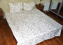 Двуспальный набор постельного белья «Золотистые вензеля на белом фоне»