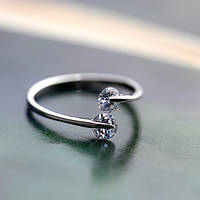 Серебряное кольцо с двумя цирконами универсального размера, стильное женское кольцо