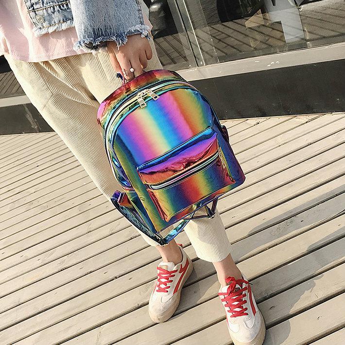 Радужный лаковый женский рюкзак
