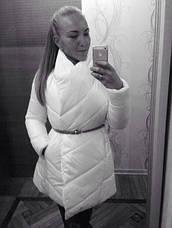 Удлиненная женская куртка с тонким поясом, фото 3