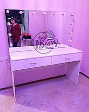 Стол визажиста с большим зеркалом и подсветкой