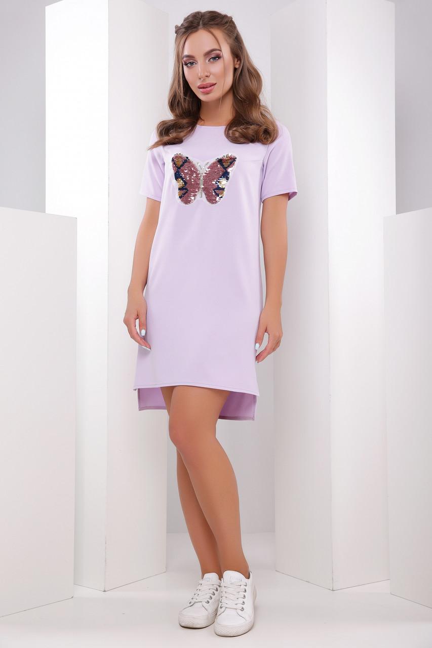 b55d0b8270f Легкое асимметричное свободное платье-туника с короткими рукавами сиреневое  с нашивкой бабочка -