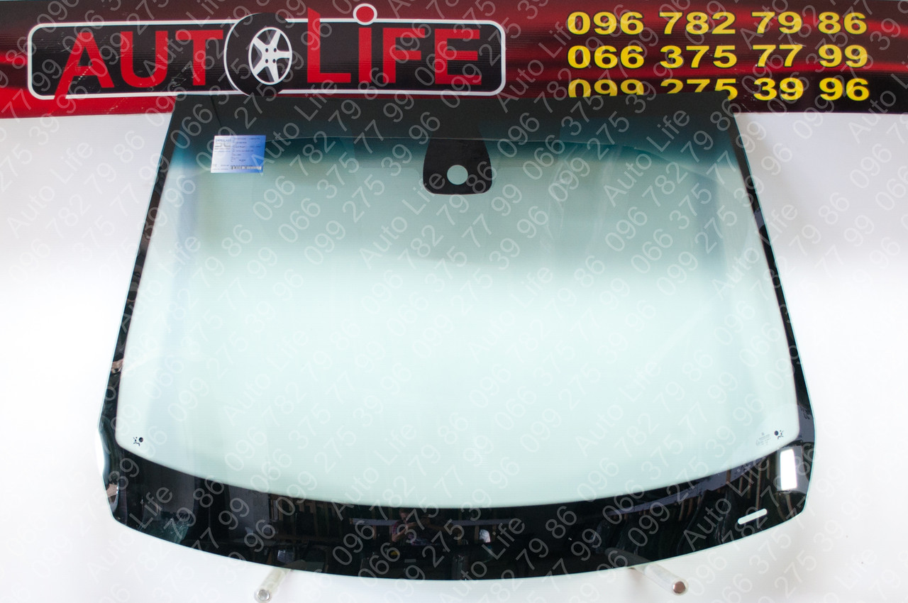 Лобовое стекло Renault Megane 2 (2003-2009)