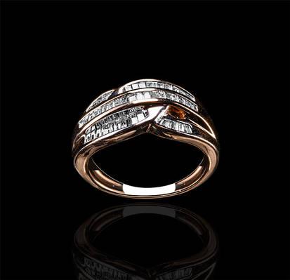 Золотое кольцо с бриллиантами С18Л2№7