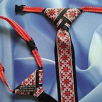 Галстук с красным арнаментом в украинском стиле из репсовой ленты.