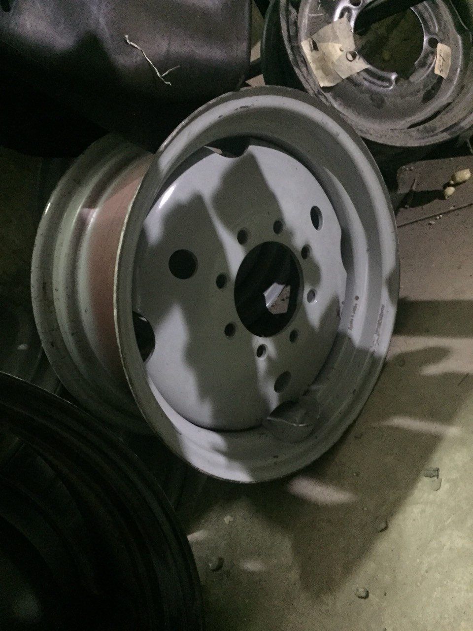 Диск колеса передний широкий 8 отверстий на шину 11,2-20 МТЗ  (БЗТДиА), фото 1